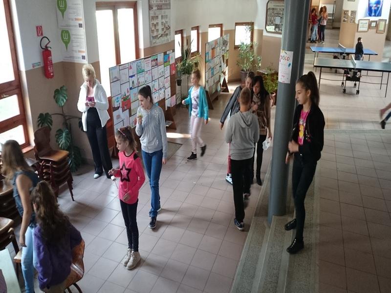 2014-10-20 - Schoolmeubels in NYI - 42